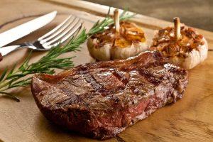 A carne vermelha ajuda no ganho de músculos