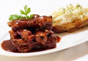 Costelinha de Porco Coberta Por Molho BBQ SG e Batata com Sour Cream do Santa Grelha