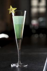 Aple Sour: drink de champagne com maçã verde e vodca de vanille (Divulgação)