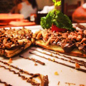 Waffle de creme de avelã e chocolate