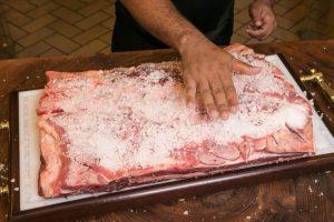 A quantidade de sal influi na desidratação da carne (Divulgação)