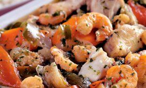 Moqueca de Peixe e Camarão, uma delícia gastronômica (Divulgação)