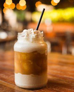 Milk Shake de Capuccino com Doce de Leite do Porpino Burger