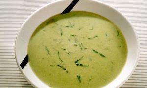 Caldos verdes são ótimos para quem está de dieta: ricos em bons nutrientes e bastante saudáveis (Getty Images)