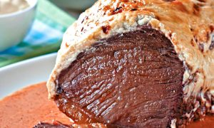 Ô delícia: alcatra assada com maionese (Ozmurd Alves / Divulgação)