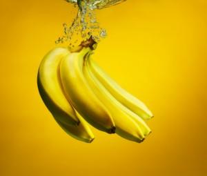 A banana pode te ajudar a diminuir a absorção de gorduras e diminuir a compulsão por doces (Getty Images)