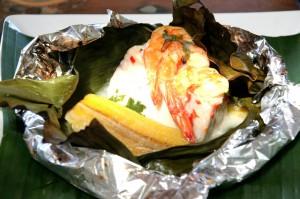 Brasil meu Brasileiro, prato d'O Banquete que traz camarões no papel laminado (Divulgação)