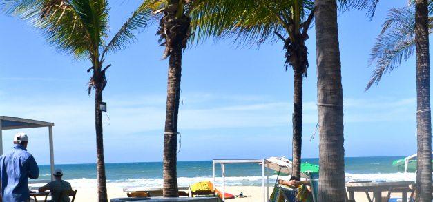 Vojnilô Praia: ambiente elegante, vista para o mar e boa comida