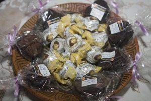Brownies de castanha do Pará e trufas de cupuaçu do Papa Chibé (Foto: Luizinho Coruja)