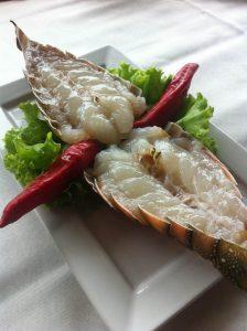 Lagosta do Boi Negro Grill - perceba o ponto ideal do fruto do mar (Divulgação)