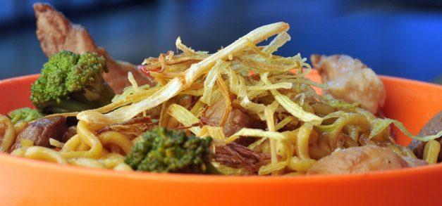 Koni inclui pratos quentes no cardápio