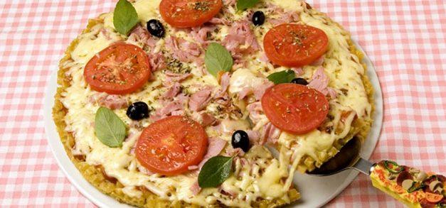 Pizza com massa de macarrão