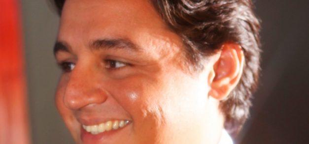 """Marcelo Pimentel: """"sou um jovem sempre apaixonado pelo que fiz"""""""