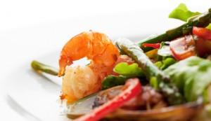 Salada de peixe, lula e camarão (Divulgação)