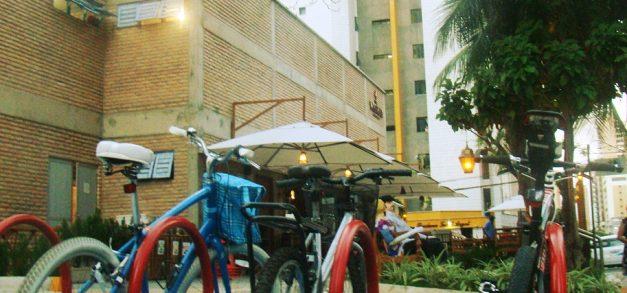 Pizza Vignoli instala bicicletários em unidades do Meireles