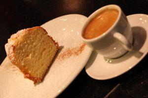 Café com bolo (Foto: Monjuá)