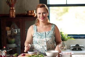 Isadora Becker: cozinha e cozinheira simpáticas (Foto: Em Dia Gourmet)