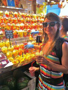 Nossa colunista Raquel Pessoa desfrutando os sabores e os aromas de Ibiza