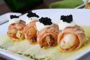 Maki Hi Lagosta e Caviar