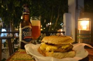 Jantar na Serafim Hamburgueria (Foto: João Filho/Cervas Fortal)