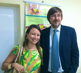 Nossa colunista, Raquel Pessoa, com o Dr Giovanni Scapagnini, MD, PhD, Assistant Professor, Institute of Neurological Sciences, Italian National Research Council, Catania, Italy em um curso sobre nutrigenômica
