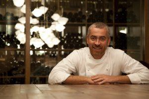 O D.O.M. do chef Alex Atala foi o único restaurante a receber duas estrelas no Guia Michelin brasileiro