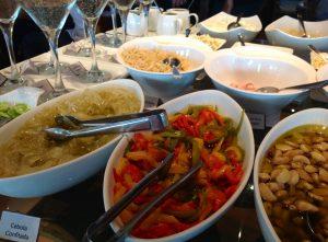 Comida saudável é destaque no self service do La Raclette (Foto: Divulgação)
