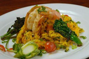camarão e arroz de brócolis é destaque no Camarão Grill (Foto: Divulgação)