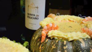 Delícias do Camarão Grill: camarão no coco e vinho