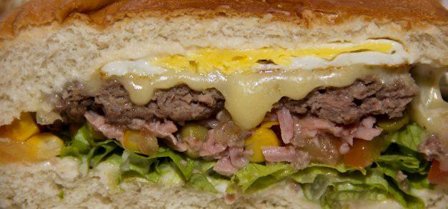 Sorvebom lança promoção em delivery de mega sanduíches