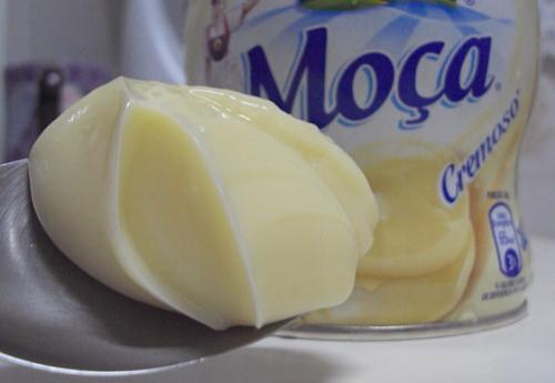 Nestlé traz de volta leite moça cremoso para comer com colher