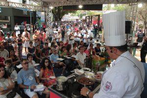 Festival Fartura Fortaleza vem chegando - evento de grande porte explora a gastronomia, com degustações, cozinhas ao vivo e exposição de pesquisas sobre a inteireza da cadeia produtiva (Divulgação)