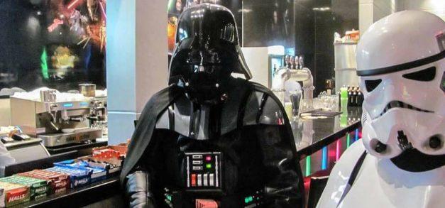 Lanchonete baseada em Star Wars é atração em São Paulo