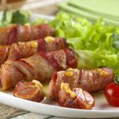 Enroladinho de salsicha, queijo e bacon