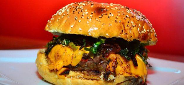 Mercadinhos São Luiz trazem food trucks como atrativo