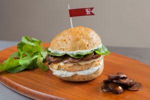 Sanduíche Salmon Joe, com direito a hambúrguer de salmão (Divulgação)