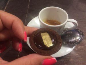 Café com chocolate... Chocolate com café... Uma coisa mais gostosa que a outra...