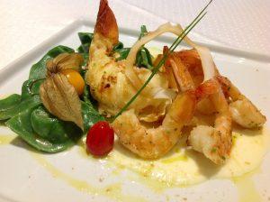 Lagosta e camarões com creme de coco do L'Ô Restaurante