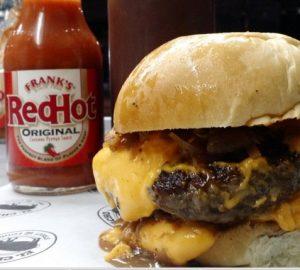 El Chancho tem hambúrgueres artesanais de primeira e é especializado em carne suína (Divulgação)