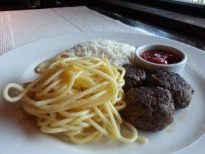 La Pasta Gialla, comandada pelo chef Sérgio Arno, traz saborosas opções de carnes e massas (Divulgação)