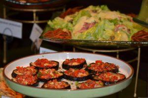 Self-service e opções refinadas são diferencial do Limone Restaurante (Divulgação)