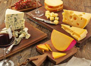 Marca sugere dia de queijos e vinhos