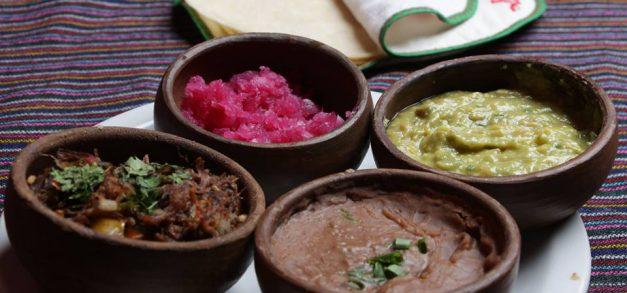 Sanduíche gigante, comida árabe ou a velha saladinha: dez dicas de delivery em Fortaleza