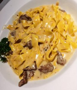 Pappardele com Iscas de Filet Mignon do La Pasta Gialla