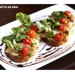 Bruschetta de queijo brie é uma das opções do Bistrô D'Europa