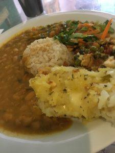 Mandir Restaurante oferta três opções diárias de pratos