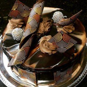 Torta de maracuja com chocolate da companhia do pao