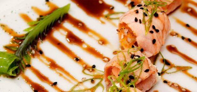 Kazu Restaurante realiza happy hour com DJ e convidados