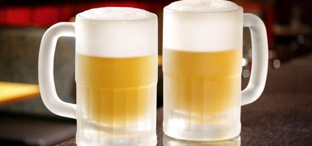 Outback celebra Dia do Amigo com bebidas alcoólicas pela metade do preço