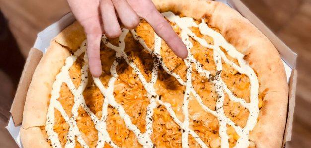 Caveirão Pizza traz a Fortaleza pizza brasileira com muito recheio